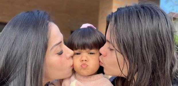 Mayra Cardi faz homenagem de Dia dos Pais para Arthur Aguiar