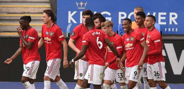 VAR marca pênalti após apito final e United vence o Brighton