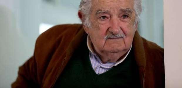 Mujica, ex-presidente do Uruguai, anuncia saída da política