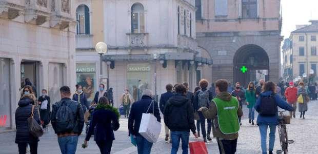 Covid-19: Mais 3 regiões italianas adotam toque de recolher