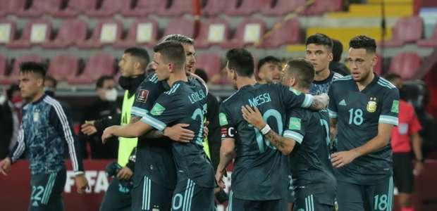 Argentina faz jogo seguro e vence o Peru pelas Eliminatórias