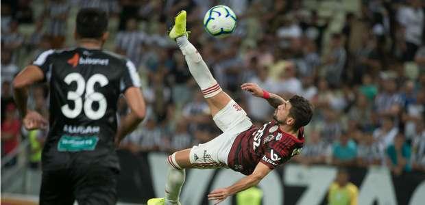 Prêmio Puskás 2020: Arrascaeta concorre a gol mais ...