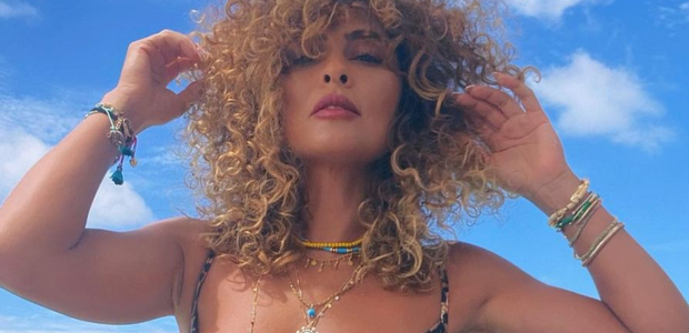 Juliana Paes exibe trends de moda praia nas Maldivas