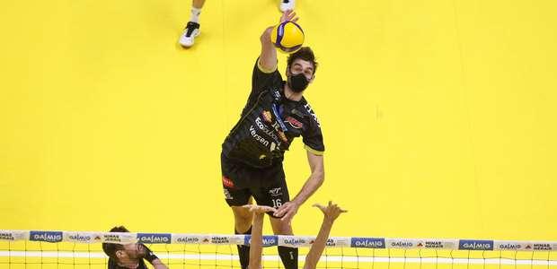 Mesmo sem exigência no protocolo, atletas usam máscara ...