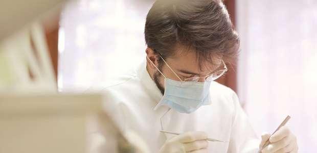 Qual a diferença entre dentista e ortodontista? Descubra!