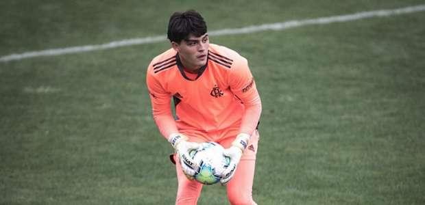 Destaque na base do Flamengo, João Fernando revela ...