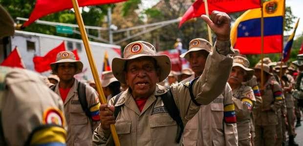 'Guerra de Todo o Povo': Maduro evoca Fidel e envia ...