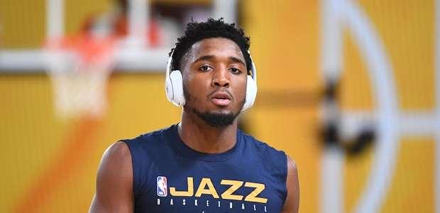 """""""Aliviado"""", Mitchell será desfalque por vários jogos no Jazz"""