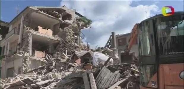 Novo tremor de 4,3 graus causa desabamentos em Amatrice