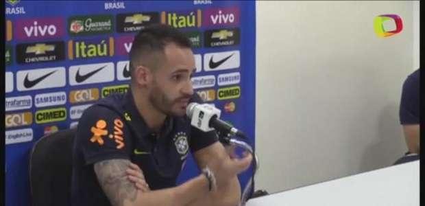 """Renato Augusto: """"é preciso tirar Messi da zona de conforto"""""""