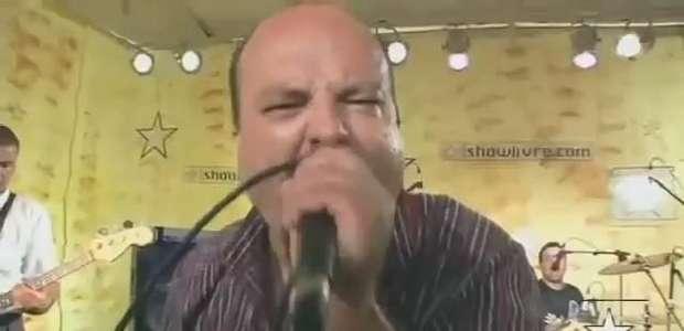 """""""Papai Noel Velho Batuta"""" - Garotos Podres no Estúdio Showlivre 2007"""