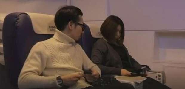 Clientes 'decolam' em voo virtual de primeira classe em Tóquio