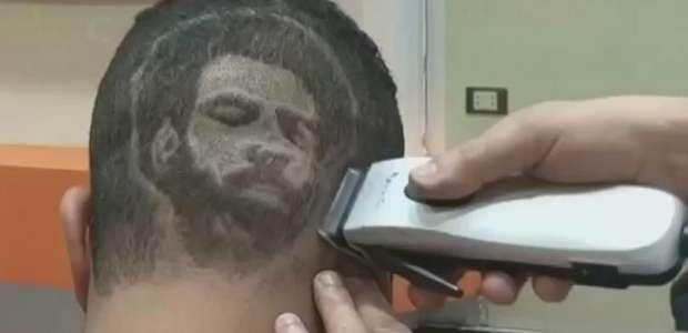 Cabeleireiro retrata celebridades em cortes de cabelo