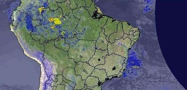 Previsão Brasil - Litoral do Sudeste com chuva