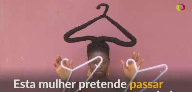 Artista marfinense usa cabelo para enviar mensagem política