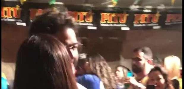 Fátima Bernardes é elogiada por Túlio Gadêlha ao dançar em festa: 'Bonitinha'