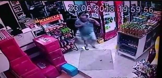 Vídeo: assaltantes armados levam dinheiro de distribuidora em Realeza