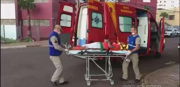 Motociclista fica ferido ao se envolver em batida