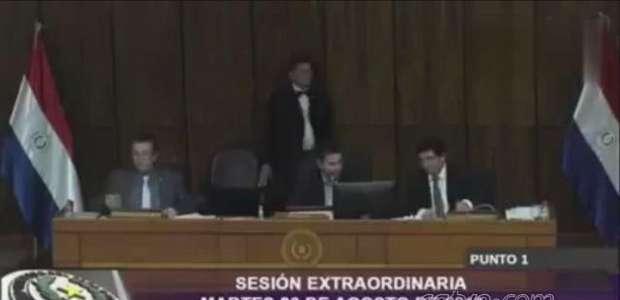 Processo de impeachment de presidente paraguaio é arquivado pelos deputados