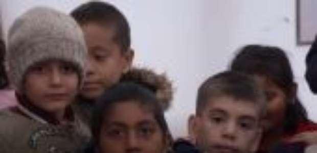 O campo de refugiados onde 'crianças dizem querer morrer' na Grécia