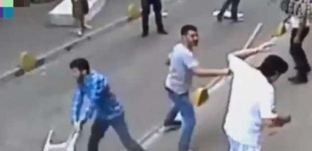 Deu ruim! Seis homens tentam brigar com boxeador na Turquia