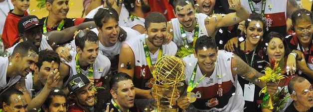 Com homenagem a Oscar, Flamengo bate Uberlândia e leva bi do NBB