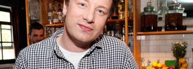 Jamie Oliver incentiva população pobre a comer melhor em novo projeto