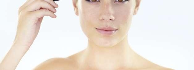 Cinco cuidados deixam a retirada das sobrancelhas perfeita