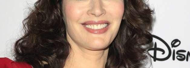 Aos 54, Nigella Lawson bebe muita água para ter a pele jovem