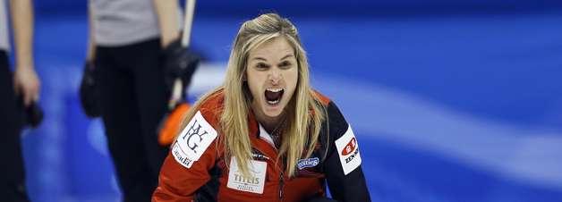 Mundial Feminino de Curling chega às semifinais; veja fotos