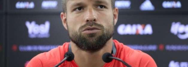 Diego é multado na Lei Seca após não soprar bafômetro no Rio