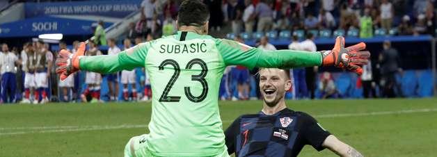 """Croácia vence, encerra """"conto de fadas"""" russo e repete 1998"""