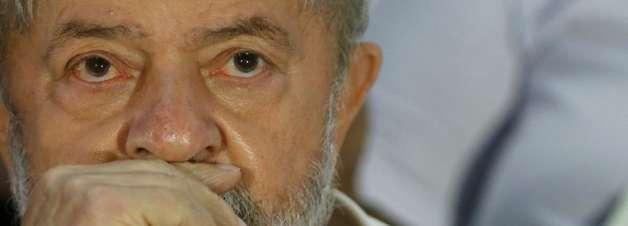 Lula pede desculpas à Itália por não extraditar Battisti