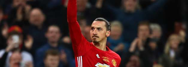"""Ibrahimovic se derrete por fãs do Manchester United: """"F**a-se, isso é fantástico"""""""