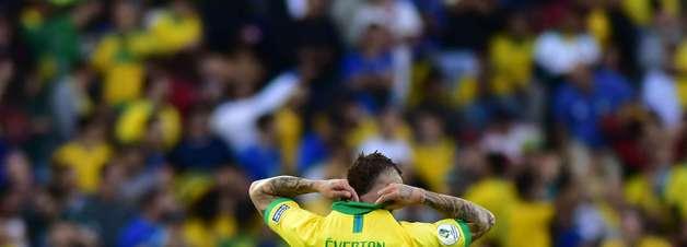 Brasil supera expulsão, faz 3 a 1 no Peru e conquista título