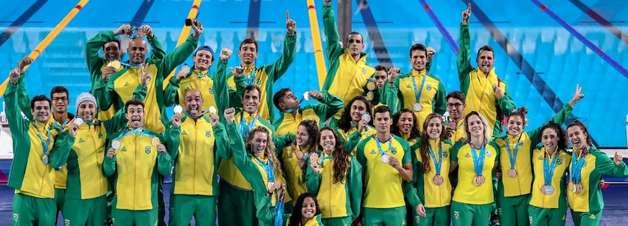 Com pódios da natação, Brasil atinge marca histórica no Pan