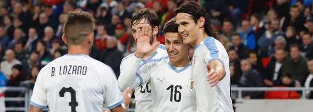 Cavani marca e Uruguai vence a Hungria em Budapeste
