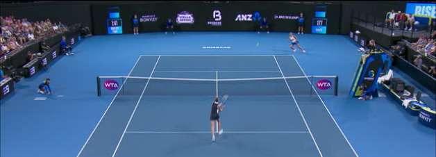 TÊNIS: WTA Brisbane: Pliskova vence Osaka e vai para final (6-7, 7-6, 6-2)