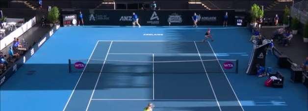 WTA Adelaide: Barty supera Collins e vai à decisão