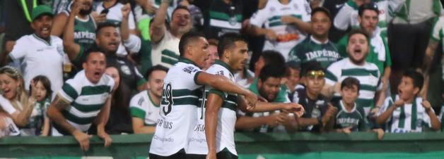 Coritiba marca nos acréscimos e estreia com vitória no Campeonato Paranaense
