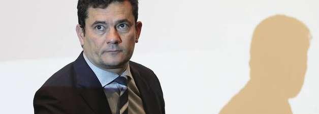 Moro defende Fachin e critica 'perseguição' ao ministro