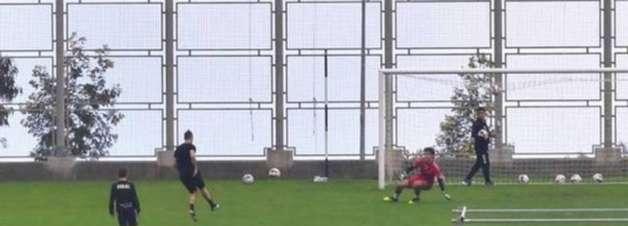 Cristiano Ronaldo treina em estádio em Portugal e é defendido por autoridades