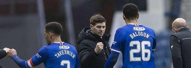 'Treinar o Liverpool é um sonho, mas a fila estará cheia', afirma Steven Gerrard