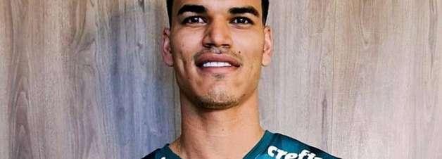 Palmeiras fecha contratação de volante que estava na França
