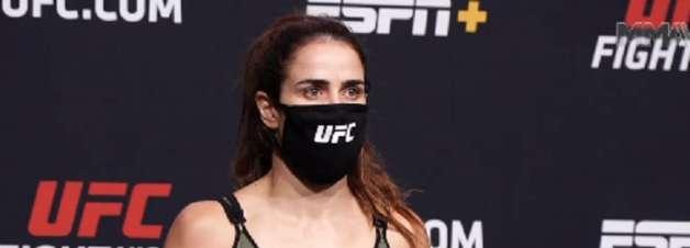 Brasileira excede 1,5kg limite da divisão e é cortada do UFC Vegas 23