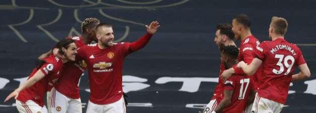 United vira sobre o Tottenham e consolida 2º lugar no Inglês
