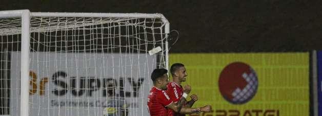 Inter goleia o Aimoré e dorme na liderança do Gauchão