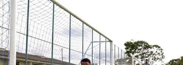 Carlos Eduardo espera rápida recuperação após cirurgia no rosto no Sport