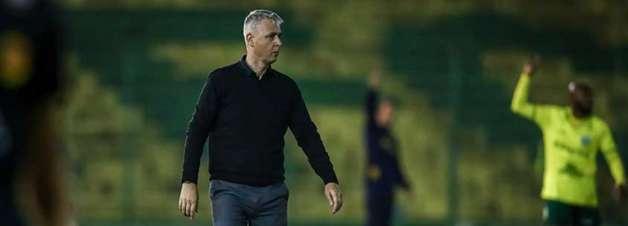 Tiago Nunes tem início 100% no comando do Grêmio