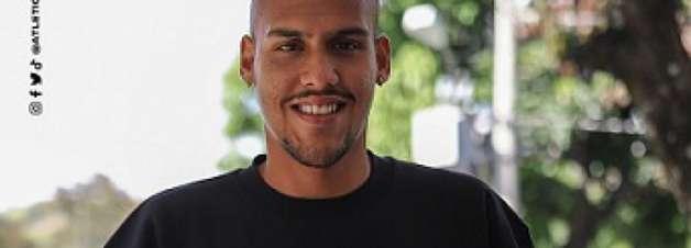 Atlético-MG renova o contrato do goleiro Matheus Mendes até 2024